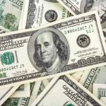 Dólar blue cae $2 y el BCRA compró USD 190 millones